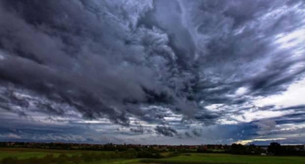 Vrijeme danas pretežno oblačno s mjestimičnom kišom