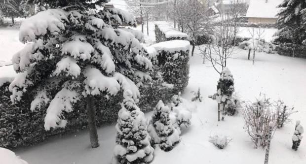 NAPOKON PRAVA ZIMA: U petak i subotu najavljen snijeg diljem unutrašnjosti!