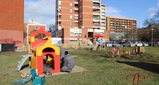 U tijeku postavljanje novih igrala na dječjim igralištima