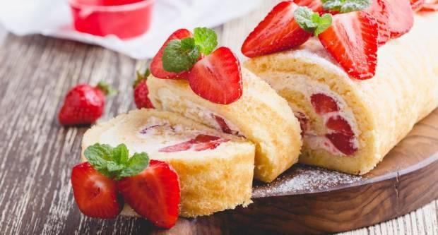 Gotova za čas: Najlakši recept za roladu s jagodama