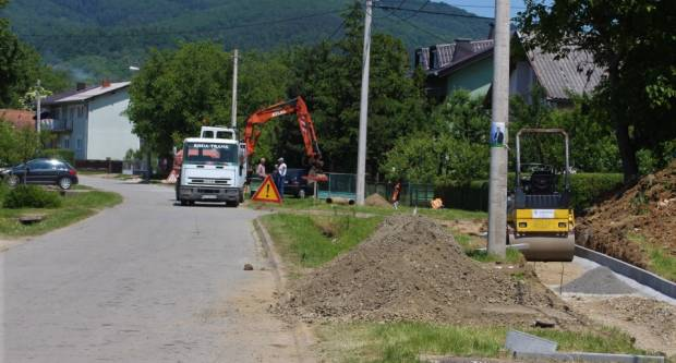 Grad Kutjevo nastavlja s radovima, u ulici Matije Gupca izgradnja pješačke staze