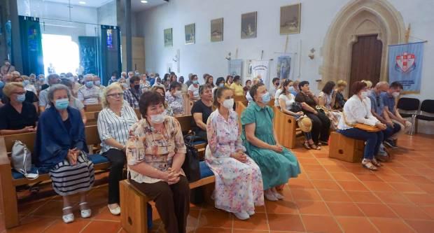 Hodočašće zdravstvenih djelatnika iz Požeške biskupije Gospi Voćinskoj