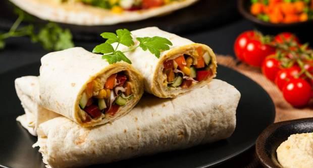 Danas ne kuhamo ni pod razno: Brzi recept za proteinski zamotuljak od samo 10-ak kuna