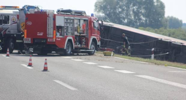 Teška prometna nesreća. 10 mrtvih, preko 30 ozlijeđenih