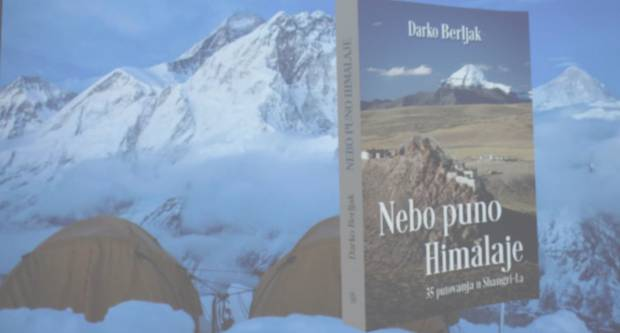 GRADSKA KNJIŽNICA POŽEGA: Predstavljena knjiga Darka Berljaka ʺNebo puno Himalajeʺ