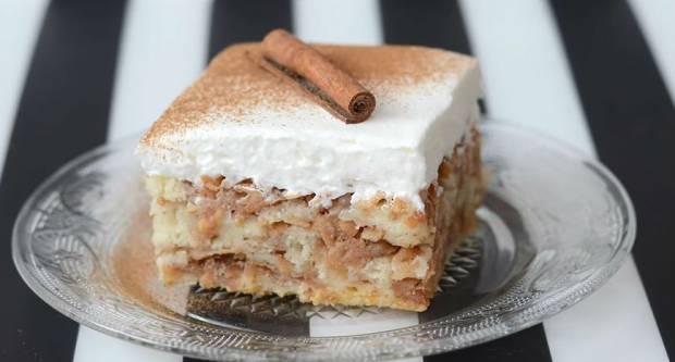 Ukusno i jednostavno: Brzi kolač od jabuka za koji vam ne treba niti mikser