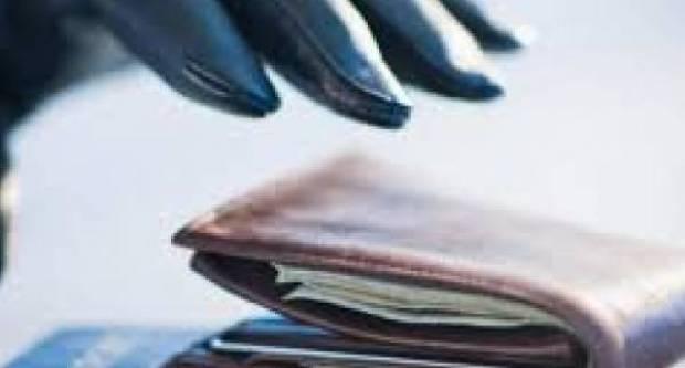 Požežaninu (56) iz automobila ukraden novčanik, a kod 24- godišnjaka pronađena marihuana