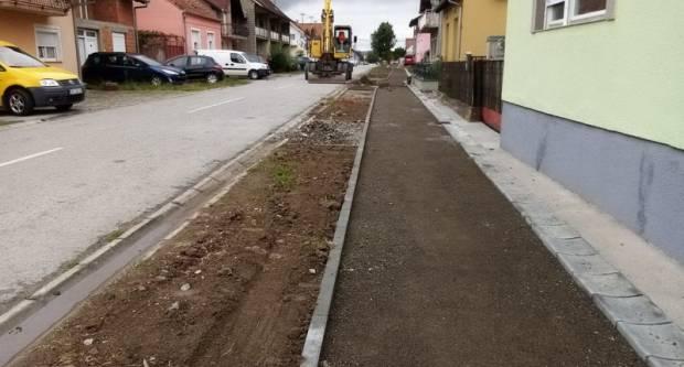 Nastavljaju se radovi na izgradnji pješačkih i biciklističkih staza