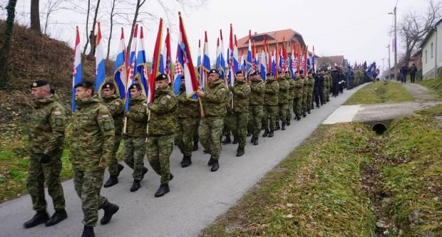 Hodočašće hrvatskih branitelja, vojske i policije u Voćin