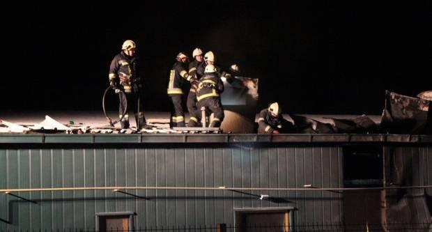 Sinoć buknuo požar na pakračkom KTC-u, policija još istražuje uzrok