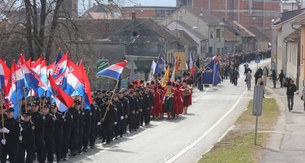U Pakracu je ʺMimohodom pobjednikaʺ obilježena 28. obljetnica početka obrane Republike Hrvatske