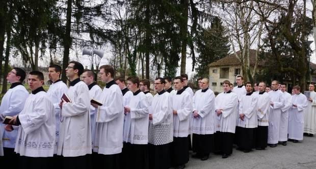 Hodočašće zagrebačkih bogoslova u Staru Gradišku