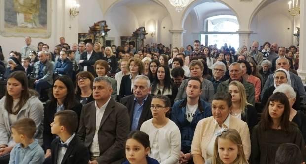 Uskrs u požeškoj Katedrali
