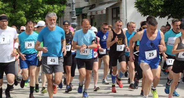 Najstariji polumaraton u Slavoniji, po 16. puta se trčao u Slavonskom Brodu