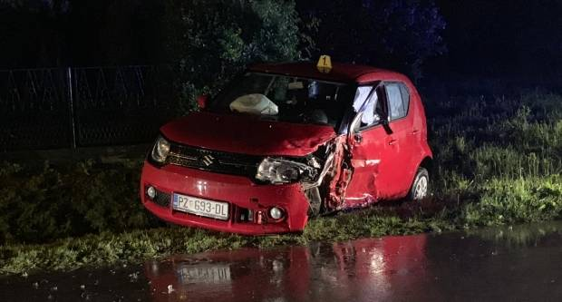 U sudaru dva auta u Krivaju četiri osobe ozlijeđene