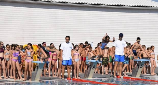 Više od četiri stotine mališana uspješno završilo Školu plivanja