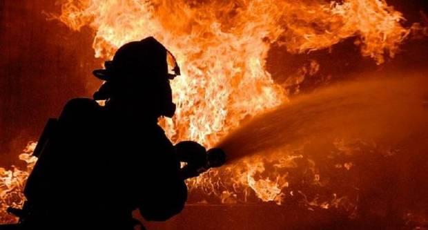 U Trnjanskim Kutima u požaru izgorjeli i graža i automobil