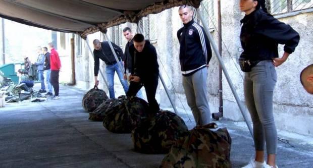 Počele obuke ročnika na dragovoljnom vojnom osposobljavanju i vojnih specijalista zrakoplovnih tehničara u Požegi