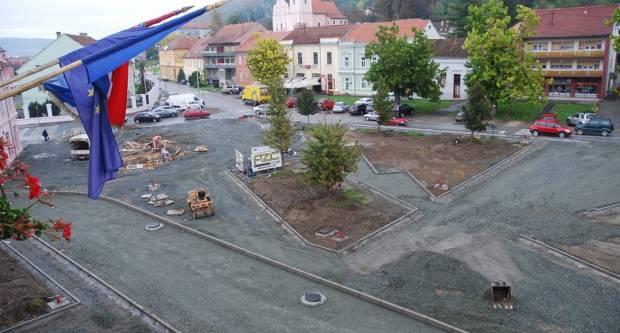 Nazire se budući izgled Trga bana Josipa Jelačića u Pakracu