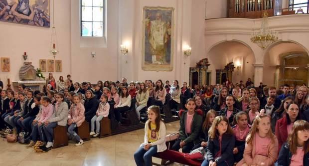 Hodočašće dječjih crkvenih zborova u požeškoj Katedrali