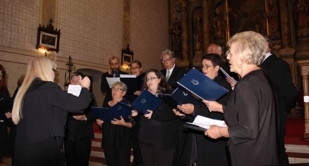 Članovi Gradskog pjevačkog zbora Lipik u Cerniku sudjelovali na ʺSusretu pjevačkih zborovaʺ