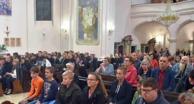 Misijska nedjelja u požeškoj Katedrali