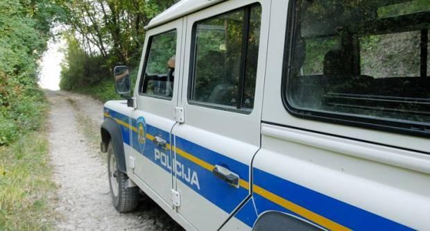 Jučer prometna nesreća u Kutjevu, svađa dva muškarca u D. Emovcima i predaja oružja