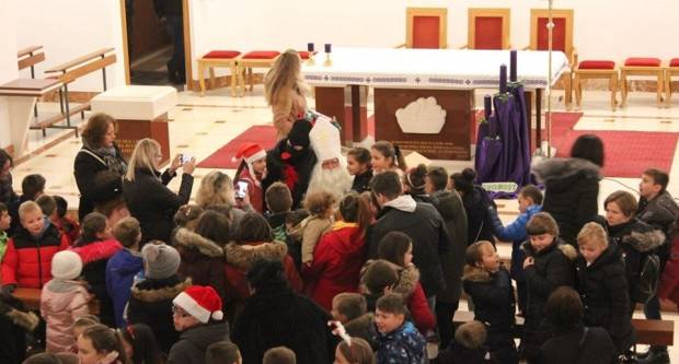 Sveti Nikola darivao djecu Lipika i okolice