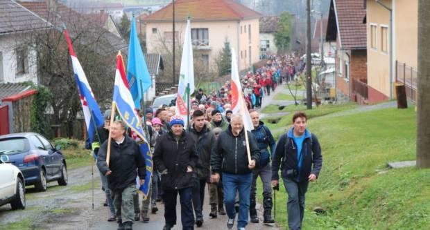 """Više od 300 planinara sudjelovalo u  24. memorijalnom pohodu """"Fokinom stazom 1991"""""""
