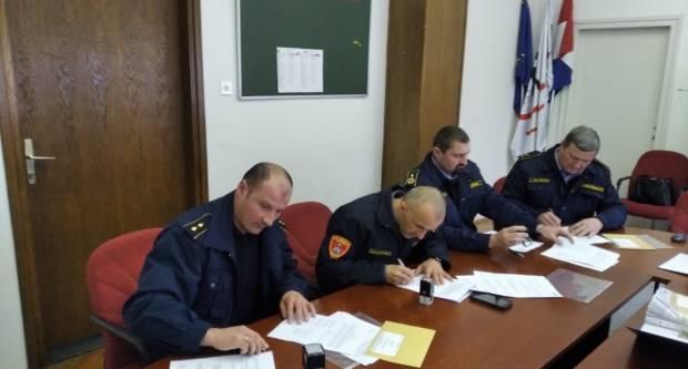 Velik dan za vatrogastvo - JVP Grada Požege dobila novo navalno vozilo