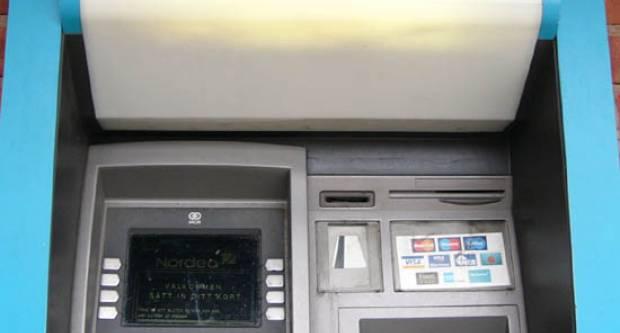 Zbog koronavirusa izdane upute za odlazak u banke i korištenje bankomata