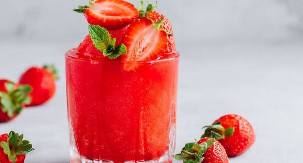 Evo kako napraviti savršen koktel od jagoda