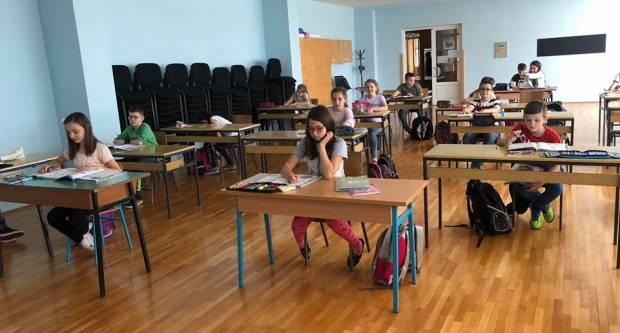 UČENICI NIŽIH RAZREDA SE VRATILI U ŠKOLU: Provjerili smo kakvo je stanje u Pleternici