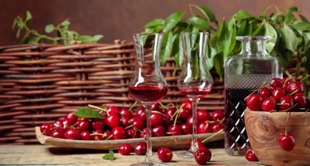 Recept za višnjevac koji odobravaju i naše bake