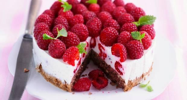 Bolja od cheesecakea: Brza i lagana torta s malinama i jogurtom