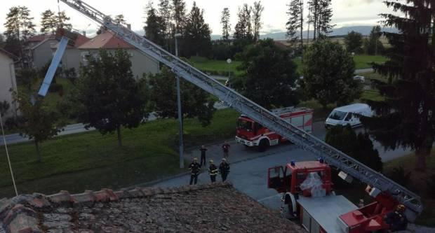 Požeški vatrogasci zbog jučerašnjeg nevremena imali sedam intervencija