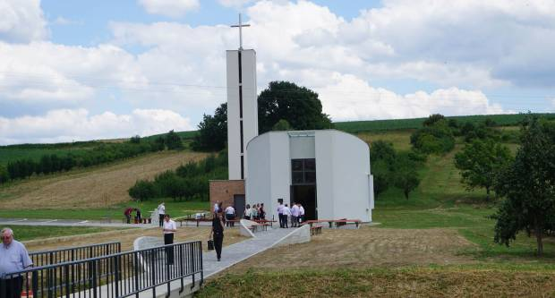 Blagoslov nove crkve u Tisovcu