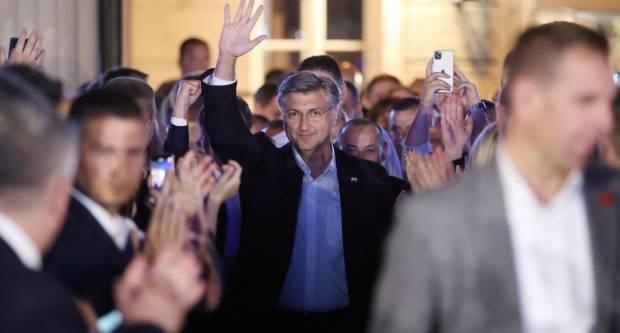 HDZ osvojio osam jedinica i 66 mandata, Restartu tek dvije i 41 mandat; Škoro i Most solidni