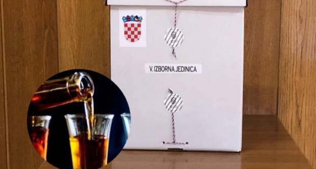 NESLUŽBENO: Policija je alkoholiziranog promatrača u Slavonskom Brodu odvela s biračkog mjesta