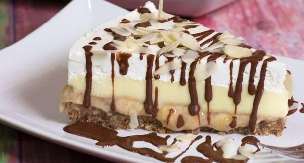 Banana split torta: Osvježavajuća bomba gotova za 25 minuta