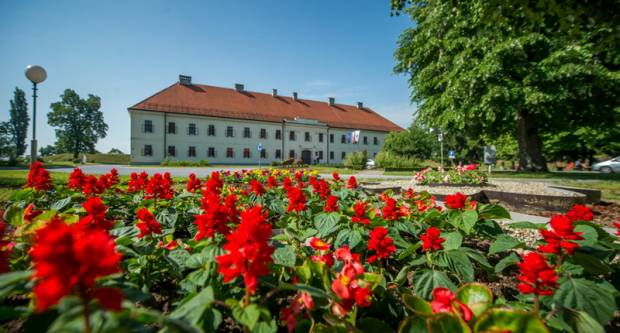Grad Slavonski Brod i nadalje će subvencionirati javni gradski prijevoz učenicima