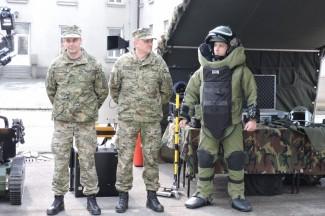 Vojska vježba gađanje i topničke udare na Glavici i u Novom Selu