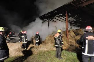 Izgorjelo skladište sa sijenom: Je li požar podmetnut? (foto)