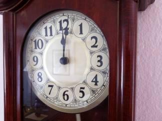 U nedjelju spavamo sat kraće; kazaljke s dva pomičemo na tri sata