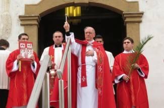Cvjetnica u Požegi: Procesija i sveta misa u katedrali