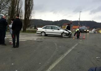 Vozačica Passata (34) oduzela prednost Golfu i izazvala sudar (foto)