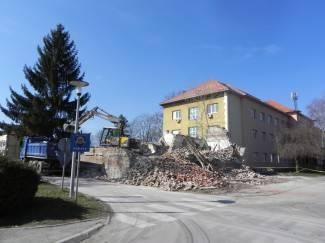 Uklanjanje ruševina u Pakracu: Na redu Dom zdravlja