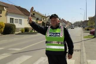 Vozio neregistrirani moped bez dozvole s preko 3 promila