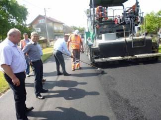 Radovi na cestama od Poljane do Donje Obriježi završit će za 2 tjedna