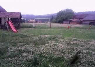 Vaše fotografije: Trava na ovom igralištu je toliko visoka da se djeca ne mogu igrati